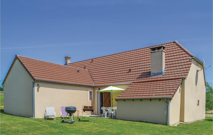 Holiday cottage with 3 bedrooms on 140m² in Montfaucon
