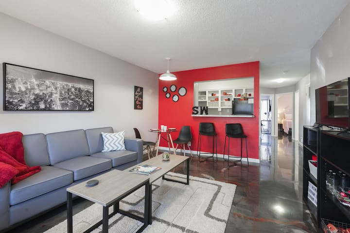 Beautiful 3 bedroom 2 bathroom-Close to downtown