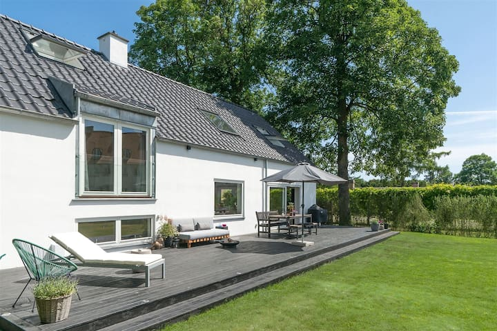 Big luxury villa in exclusive part of Copenhagen - Charlottenlund - Villa