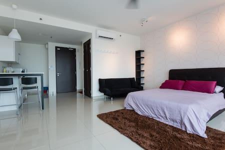 Warm Studio @ Setia Alam Trefoil - Shah Alam
