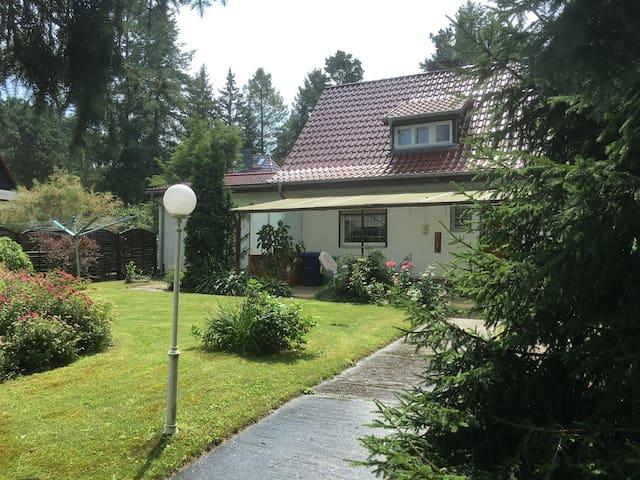 Villa Seeidyll direkt am See