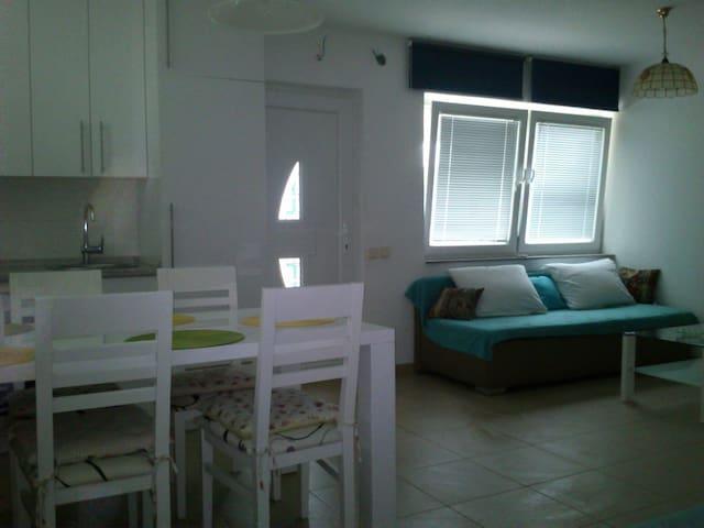 Quiet studio in Premantura - Premantura - Wohnung