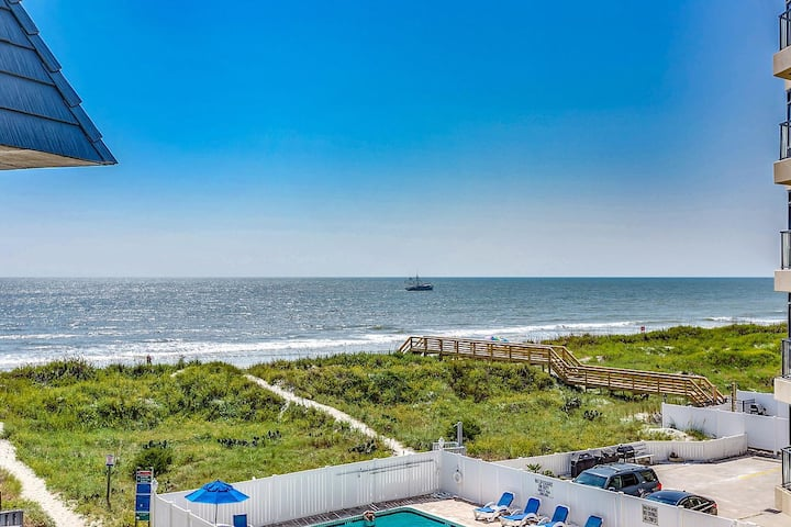 Oceanfront Condo in Family Friendly Cherry Grove!