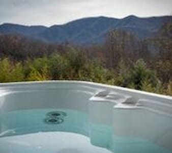 Owl Vacation Home-Incredible Views-Sleeps 7-Hottub - Дом