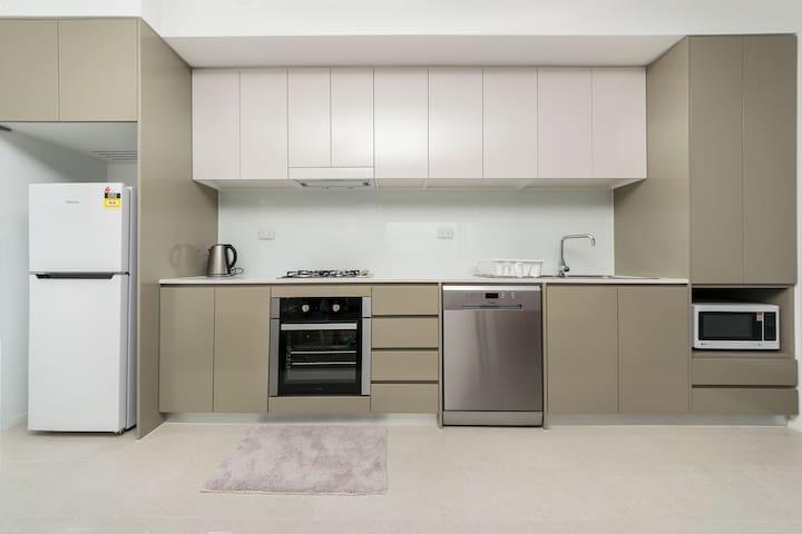 Meadowbank 2 Bedroom Furnished Apartment D6069 - Ryde