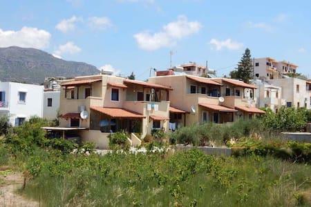 Ari's apartment in Kalamokanias Makrigialos Beach