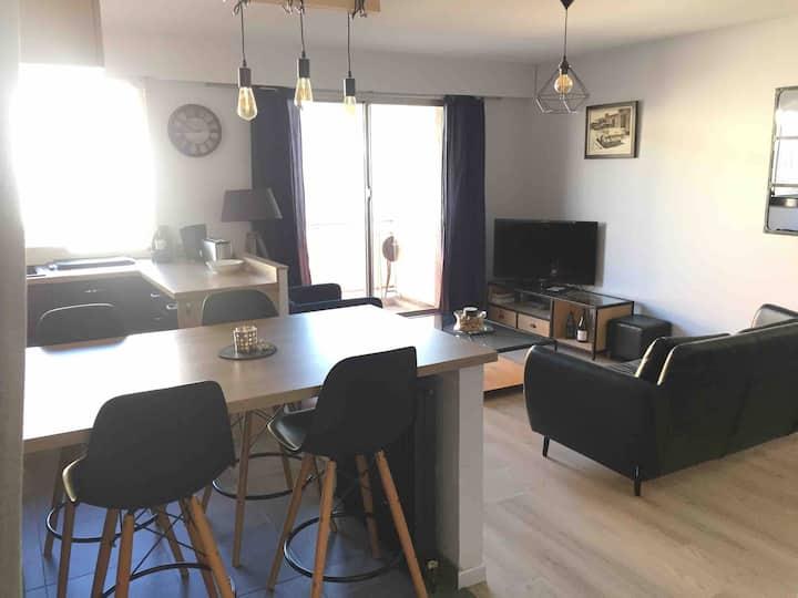 Appartement tout confort en plein centre-ville.