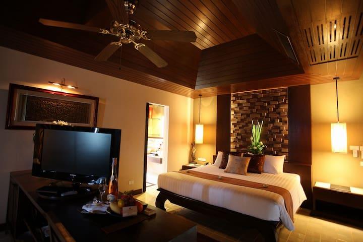 Lush beachfront suite in Koh Samui