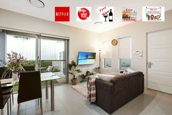 COMFY & WELL EQUIPPED HOUSE⭐CLOSE TO PARK/SHOPS
