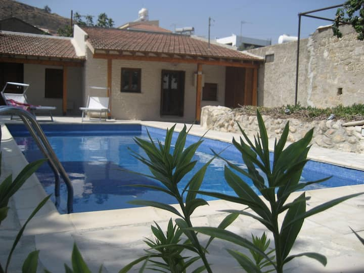 Charming Cypriot Cottage in the Heart of Pissouri