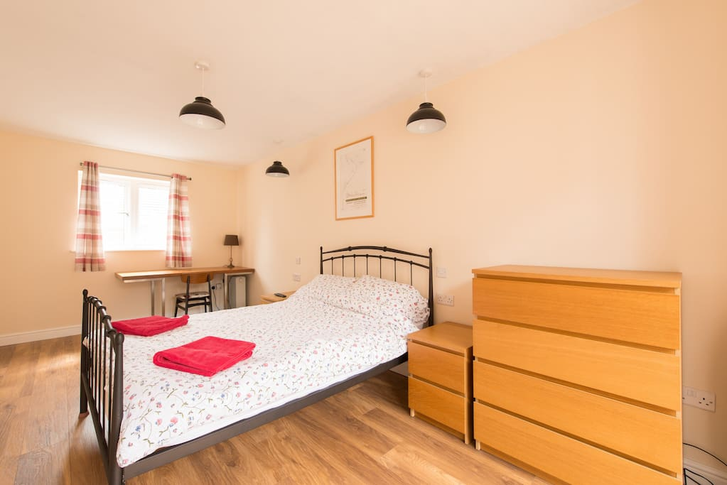 Bedroom 6 - Ground Floor en suite