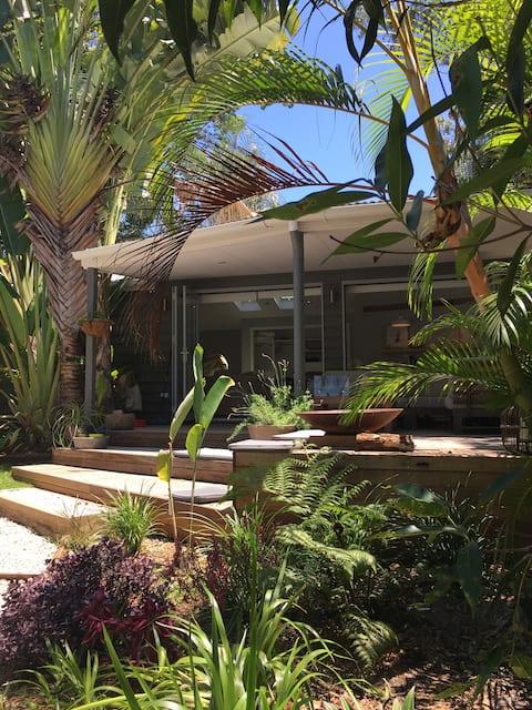Charming pool side retreat