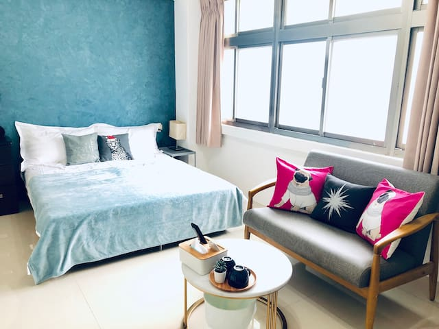 Independent suite @Longshan Temple Taipei MRT