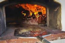 The amazing pizza oven!