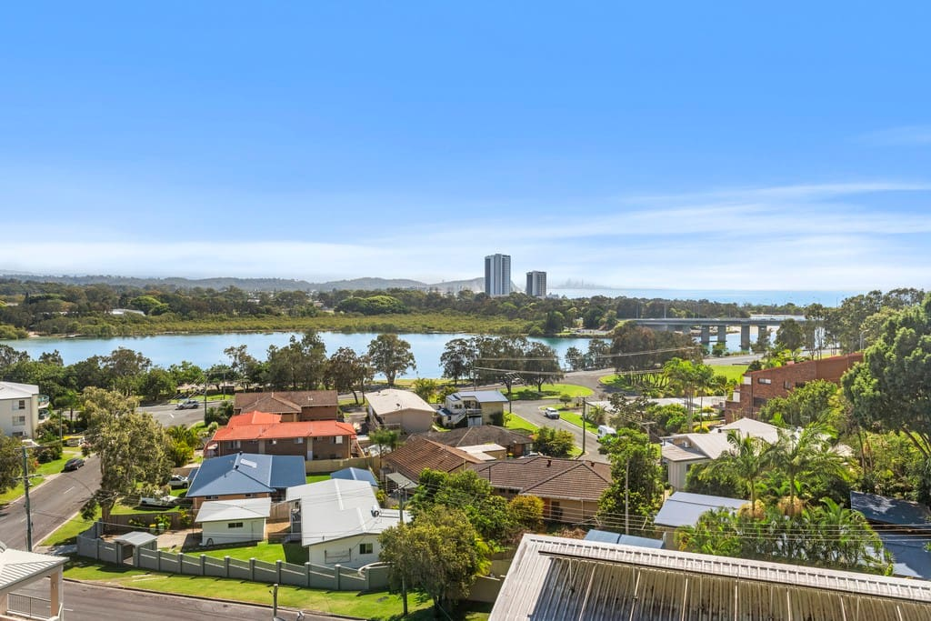 Your views stretch across the sparkling Currumbin Creek to the Pacific Ocean as far as the glittering lights of Surfer's Paradise