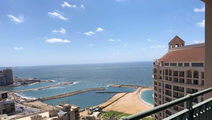 Luxurious Seaview Apt Four seasons Sanstefano Alex