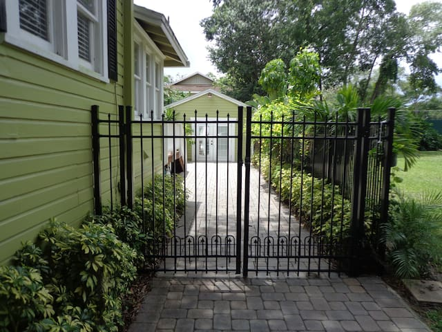 Side access gate to the back makes for a convenient way to your Cottage - Home away from home