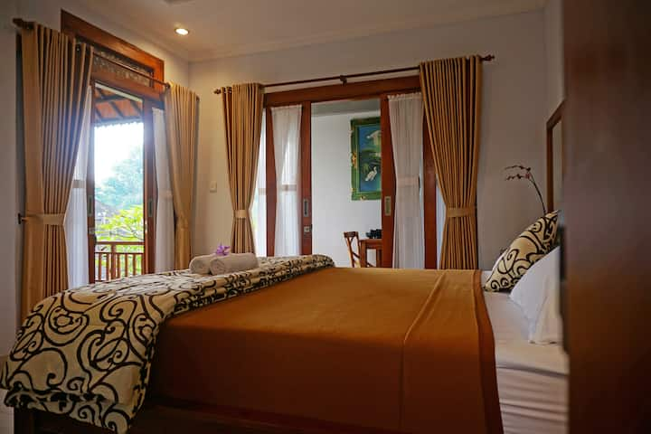 Cantika Guesthouse Ubud, Yogi Room