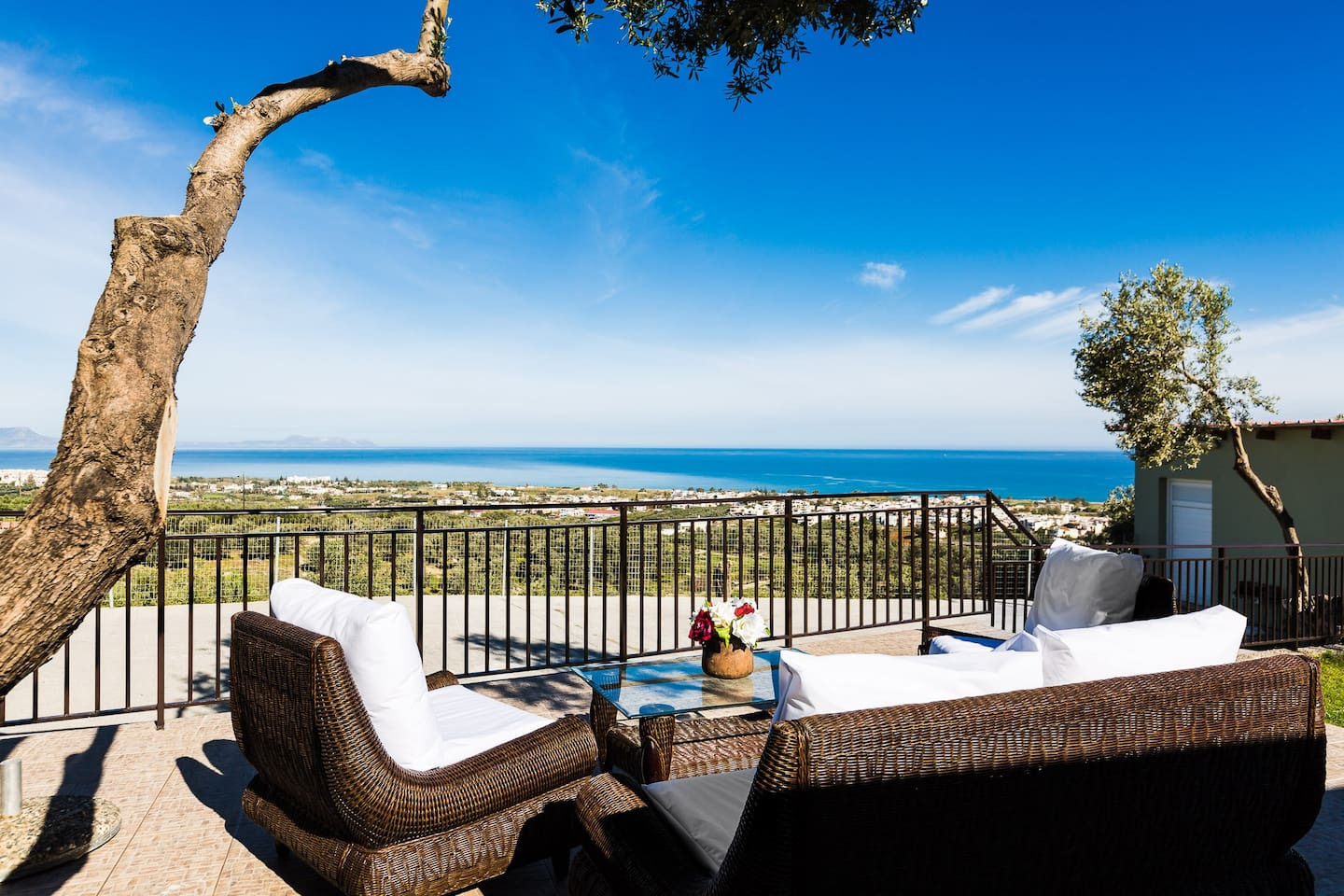 Enjoy the spectacular view from the spacious terrace!