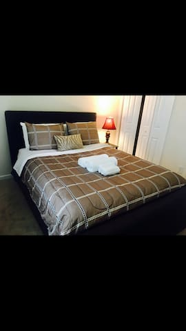 New queen BDRM for 1 or 2 guests