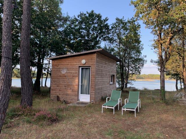 Cabane de pêcheur sur rivière Carnac / La Trinité