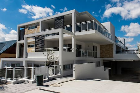 Luxury & Sunny 5 Star Perth Sleeps 5 + 1 child - North Perth - อพาร์ทเมนท์