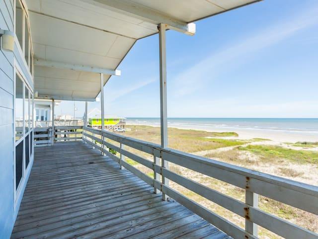 Beachfront Galveston Bungalow - Galveston - Ev