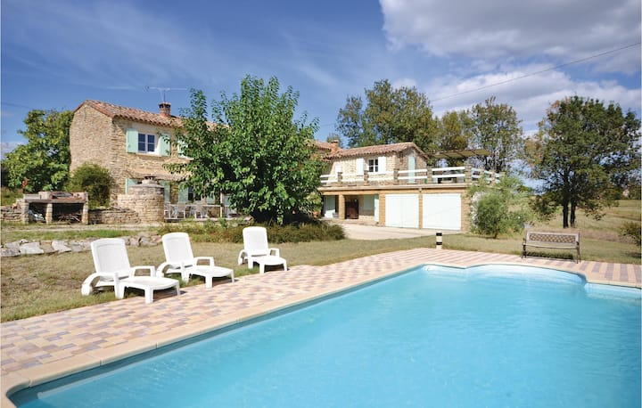 Beautiful home in Bagard with WiFi and 3 Bedrooms