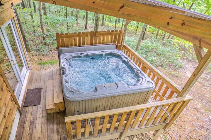 Hocking Hills Hideaway W Hot Tub Fire Pit Views Cabins For Rent In Lancaster Ohio United States
