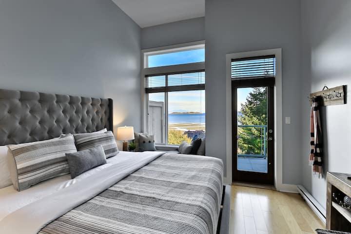 Breathtaking Oceanview Oasis in Vancouver Island