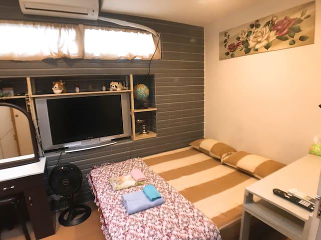 G-> 適合有預算考量的旅友,近台北車站、善導寺站、華山藝文中心、中山站的溫馨舒適的雙人房