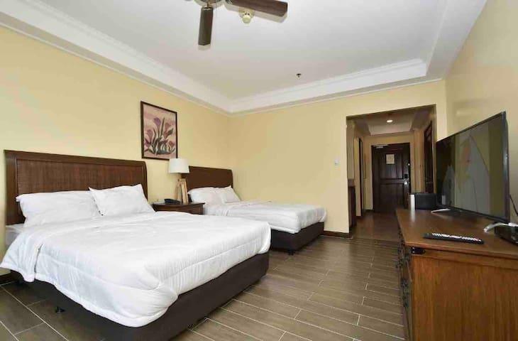Manor Hotel Garden View Room! BER MONTHS  SALE! :)