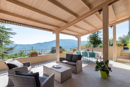 Casa Manilo, Quiet panoramic villa on Tuscan hills