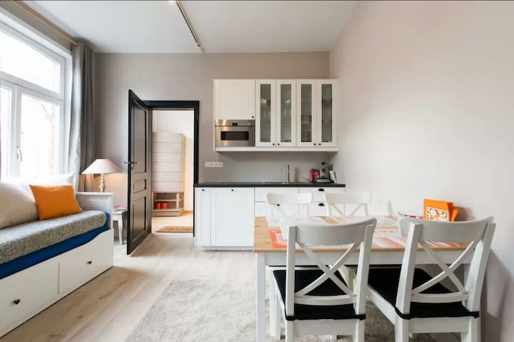 Cozy and sunny familiar flat - Courcelles - Apartment