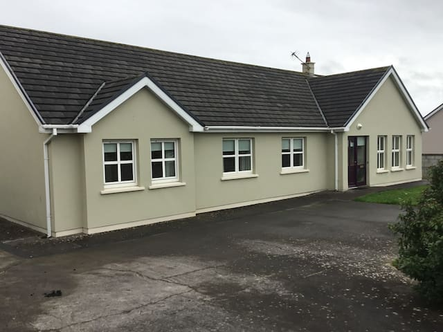 Listowel, County Kerry, Bungalow Private