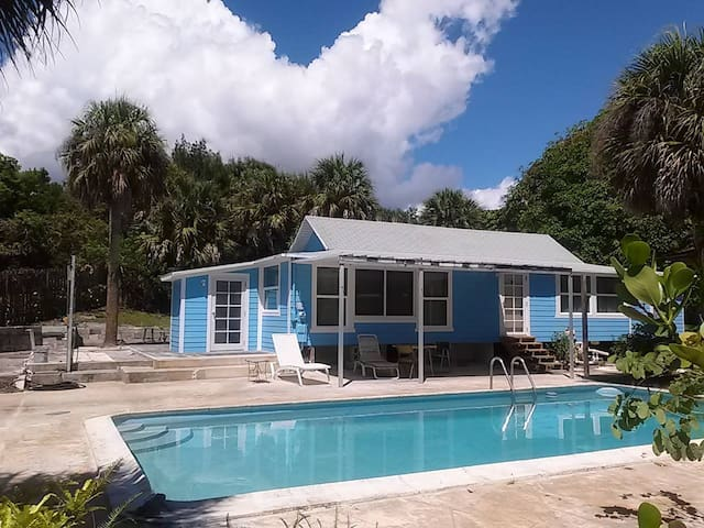 Camp Hobe Sound! Prvt 3/2 House w/ Pool & Parking - Hobe Sound - Huis