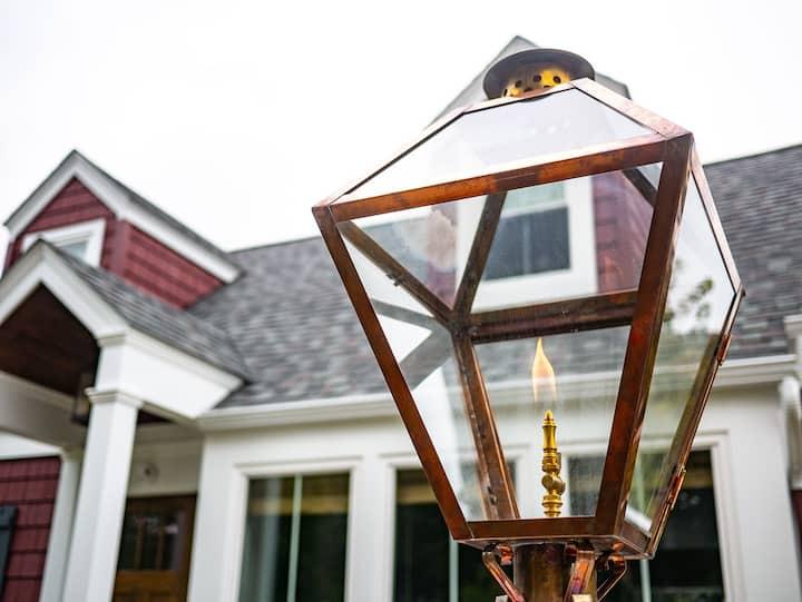 The Gas Lantern Cottage @ Donovan's Corner