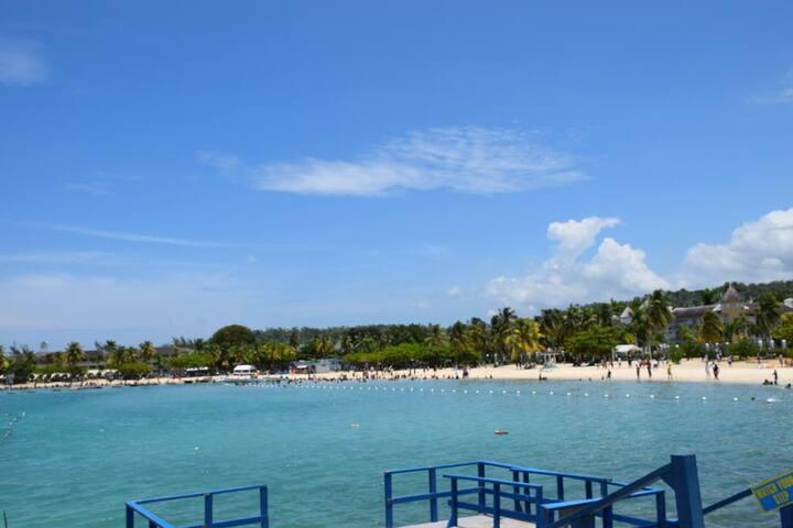 Coral Beach Holiday