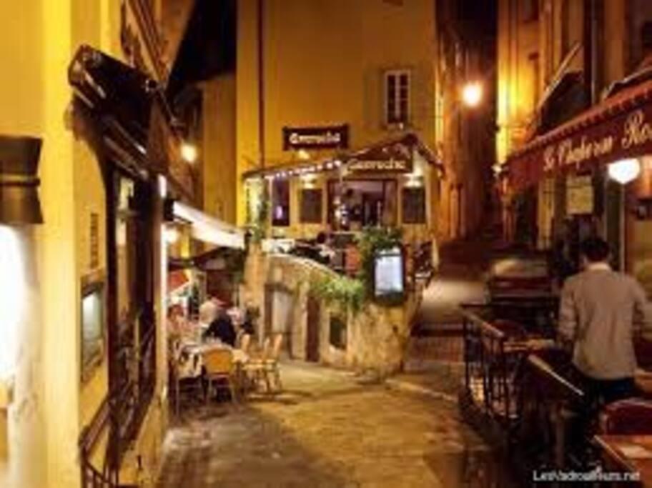 Restaurant area Le Suquet => 2mn