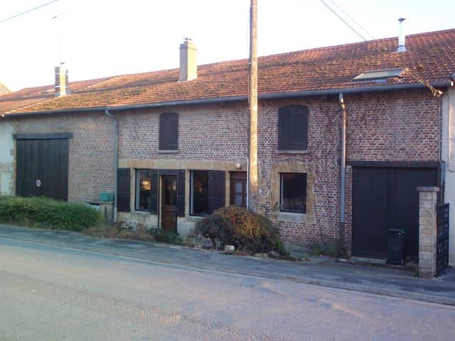 Maison de Campagne en Ardennes - Quatre-Champs