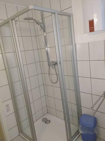 Bad / WC - Dusche