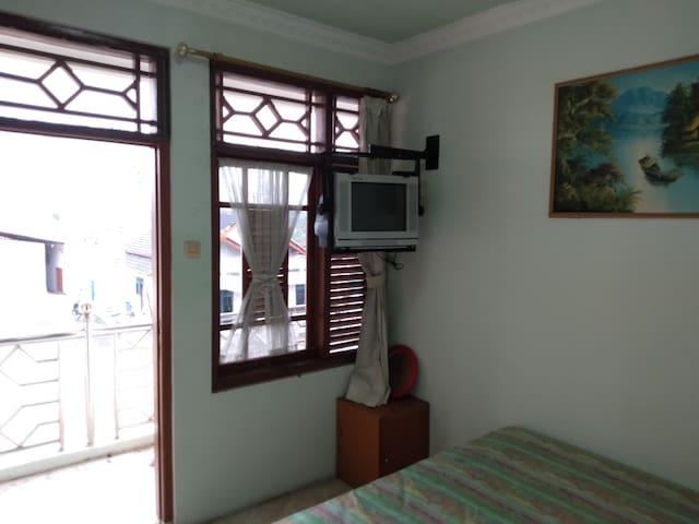 SIERRA Room @Vafa Guest Suites, Cianjur