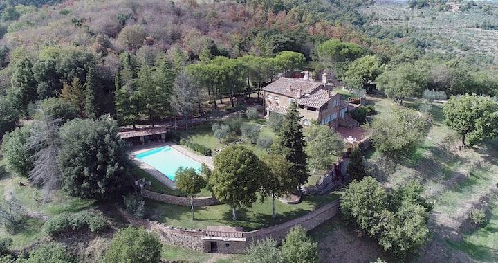 Il Casale delle Rose Villa esclusiva con piscina