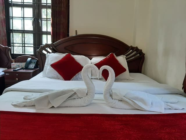 Cozy room for couples or travelers near Dargah
