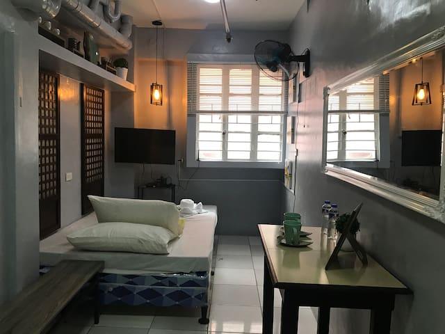Cristina's Place - B6 (FAN ROOM)