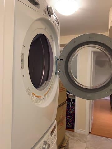 Furnished Basement Suite (sleeps 4) & 3Pc Bath