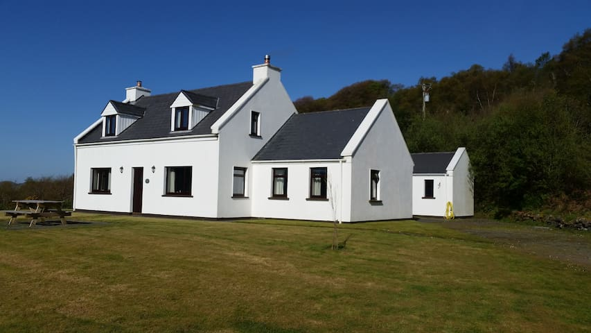 Lough Derriana Lodge, Waterville, Kerry