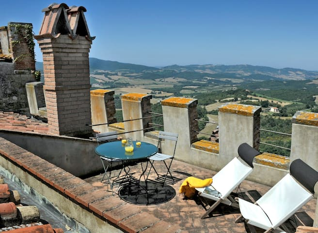 Romantic apartment with terrace - Querceto