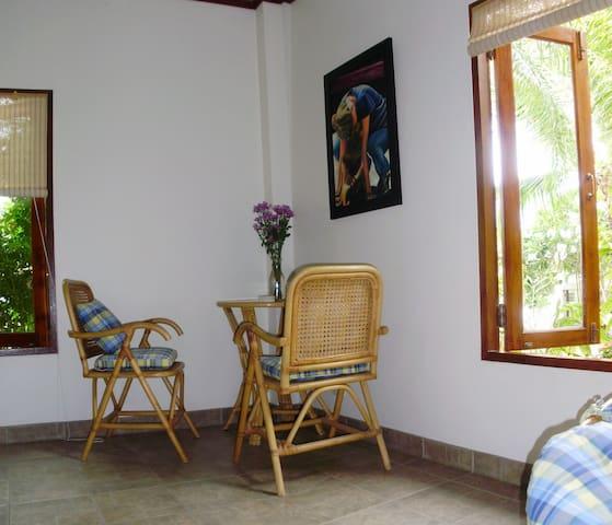 Villa Chomphoo mit eigenem Pool - Pattaya - Dom