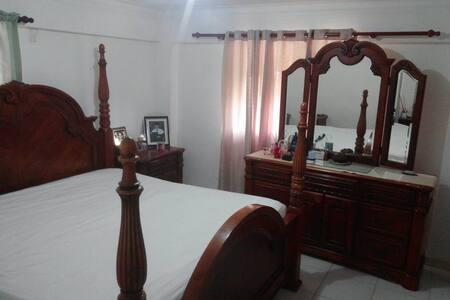 habitación privada con baño y conexión wifi